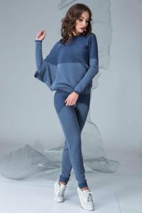 Костюмы с юбкой: очарование женственности в каждой модели