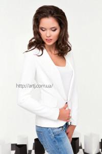 Как и с чем правильно носить женский пиджак